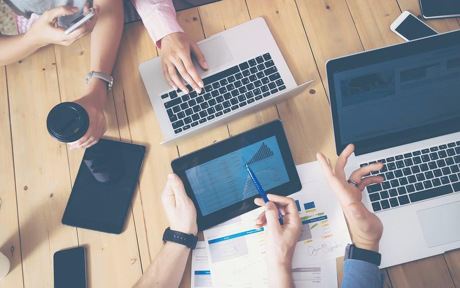 Ein konsequent präsentes Firmen- oder Markenkonzept wirkt in allen Bereichen des Unternehmens von der Kommunikation bis zur Einstellung der Mitarbeiter. Foto: bigstockphoto.com