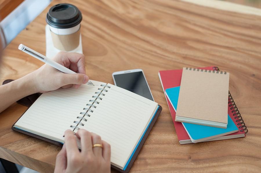 Geschäftsidee finden: Am Anfang steht ein leeres Blatt Papier.