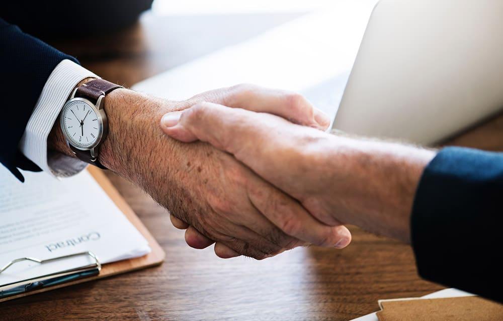 Leistungsfähigkeit deiner Mitarbeiter durch Lob steigern