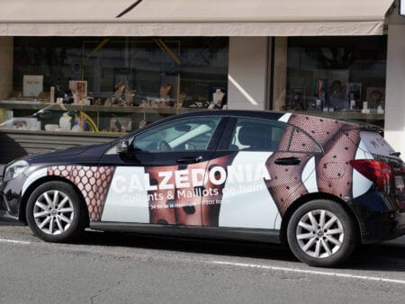 So kann Autowerbung aussehen.