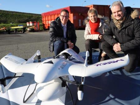 Das Startup Wingcopter glückte in Zusammenarbeit mit Merck die erste Auslieferung per Drohne.