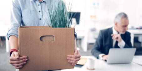 Eine fristlose Kündigung ist für Unternehmer eine der schwersten Aufgaben