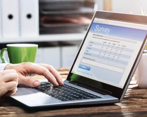 Mit verschiedenen Anbietern Umfragen online erstellen