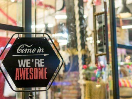 Auch durch Außenwerbung können kreative Werbekampagnen erfolgreich sein.