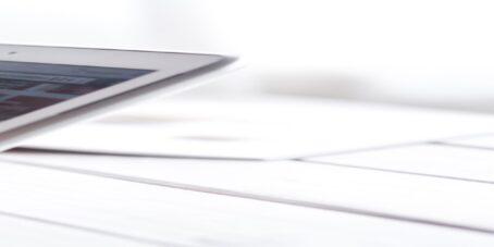 Mit Businessplan-Softwares kannst du per Anleitung deinen Businessplan erstellen.