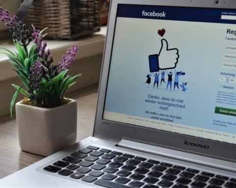 Facebook-Posts kannst du auch über den Facebook-Manager veröffentlichen.