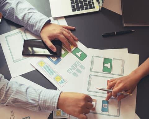 Um eine App entwickeln zu lassen, muss ein Prozess durchlaufen werden.