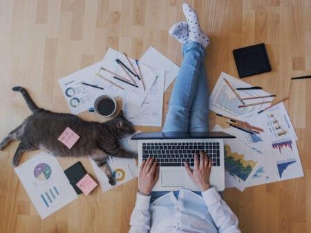 Heimarbeit Studie: Deutsche freuen sich auf Büro