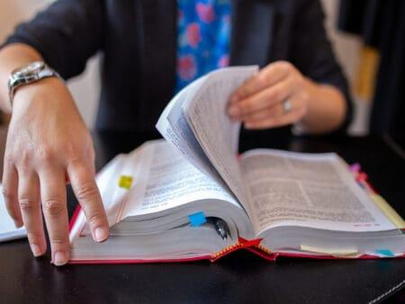 Die Umstrukturierung von Unternehmen erfolgt regelmäßig auf der Basis des Umwandlungsgesetzes.