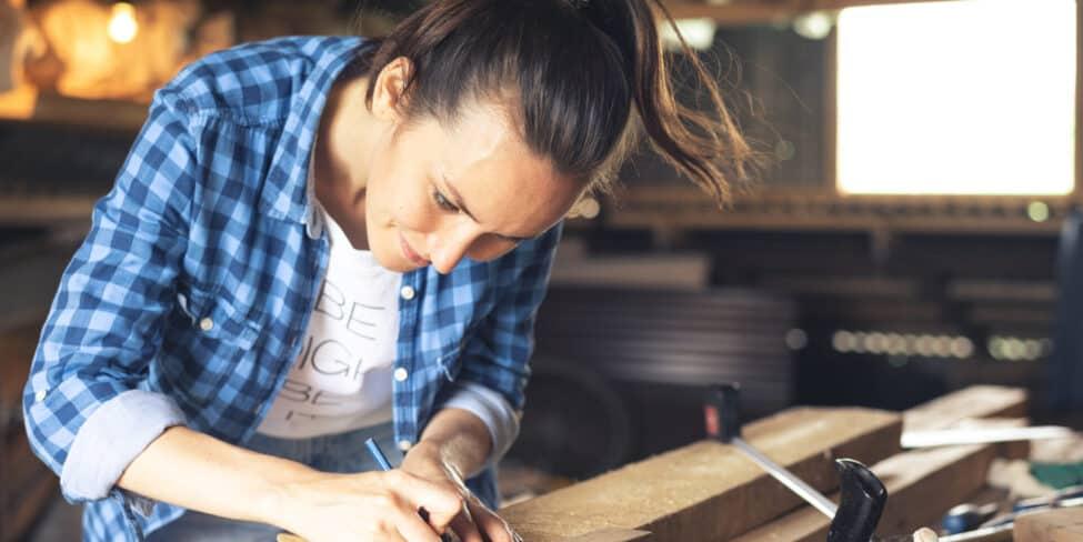 Auch mit einem Handwerksberuf kannst du eine Ein-Personen-GmbH gründen.