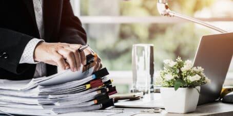 Ein Unternehmen anzumelden ist viel bürokratischer Aufwand