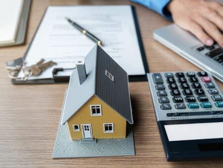 Auch in Krisenzeiten lohnt es sich Immobilien zu kaufen.