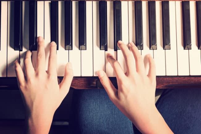 Klavier spielen lernen als neue Routine