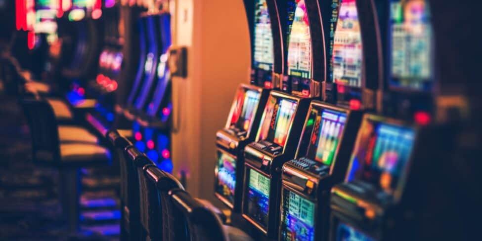 Spielothek von Innen mit Spielautomaten