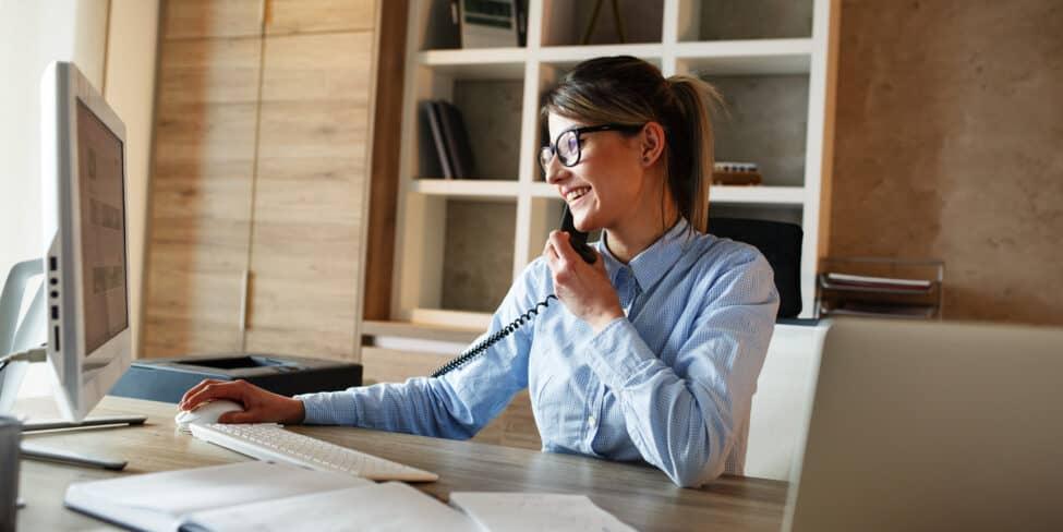 Externe Dienstleister können den Büroservice für dich übernehmen.