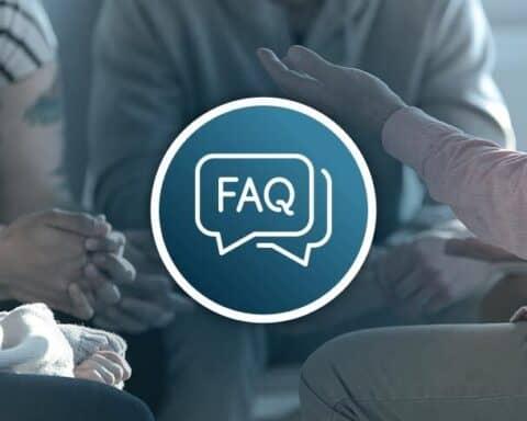 Im Gründer-FAQ beantworten wir, wie viele Personen du für die Gründung eines Unternehmens brauchst.