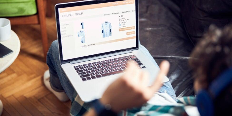 Ein Shopsoftware Vergleich zeigt auf, welcher Anbieter zu dir passen könnte.