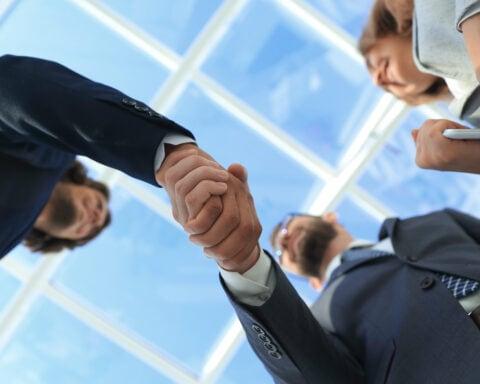 Kunden gewinnen kann gelingen, wenn du einige Tipps beachtest.