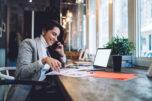 Ein eigenes Online Business aufbauen bedeutet auch, dass man praktisch von überall aus arbeiten kann.