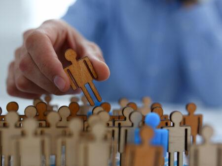 Personalpolitik spielt eine wichtige Rolle im erweiterten Marketing-Mix.