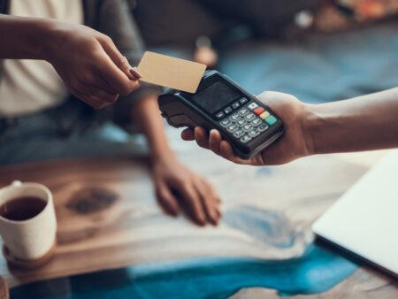 EHI-Stuid: Zahlung per Karte